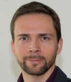 dr. Robert Leskovar
